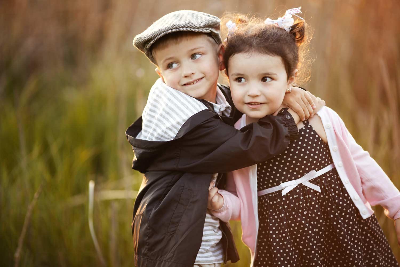 Фото мальчика и девушка, Boy And Girl Love Фото со стоков и изображения 6 фотография